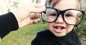 نصائح لإكتشاف عيوب الإبصار لدى طفلك
