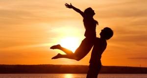 """نصائح من إمرأة لكيفية تعامل الرجل مع """"نصفه الحلو"""""""