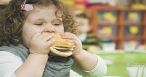 نصائح للتعامل مع طفلك عند زيادة وزنه