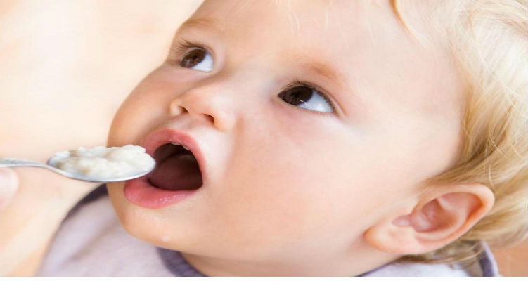 infant-baby-eating-food_1051x800
