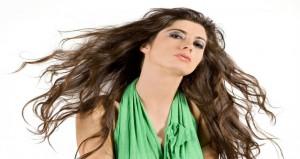 طرق طبيعية لعلاج مشاكل الشعر المختلفة