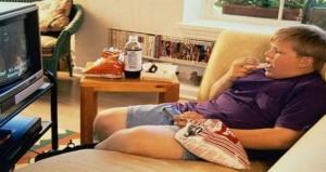 كيف تحمى طفلك من الإصابة بالسمنة؟