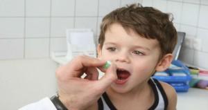 كيف تحمى طفلك من التسمم بالدواء؟