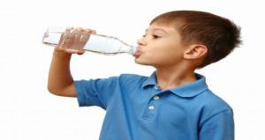 تعرفى على أسباب وأعراض إصابة الطفل بالجفاف